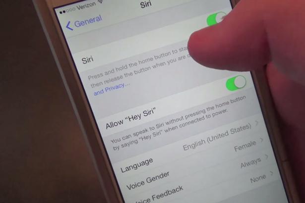 Как обойти пароль экрана блокировки на iOS 8.0.2 с помощью Siri