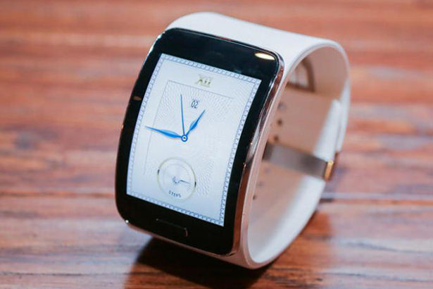 Смарт-часы Samsung Gear S начнут продаваться 7 ноября в США