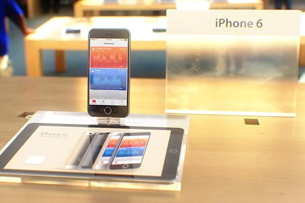 Смартфоны iPhone 6 и iPhone 6 Plus существенно подорожали в России