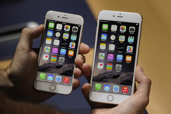 Apple Inc. Reveals Bigger-Screen iPhones Alongside Wearables