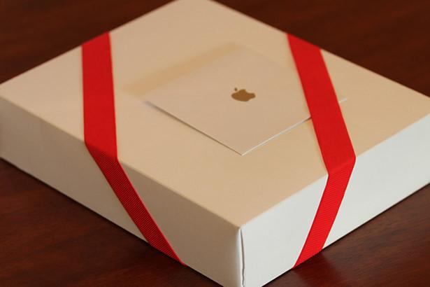 Apple подарила своим сотрудникам рождественские подарки