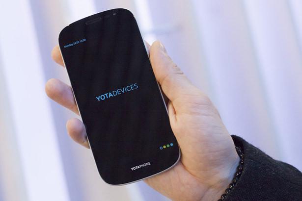 Российский смартфон YotaPhone 3 выйдет через полтора года