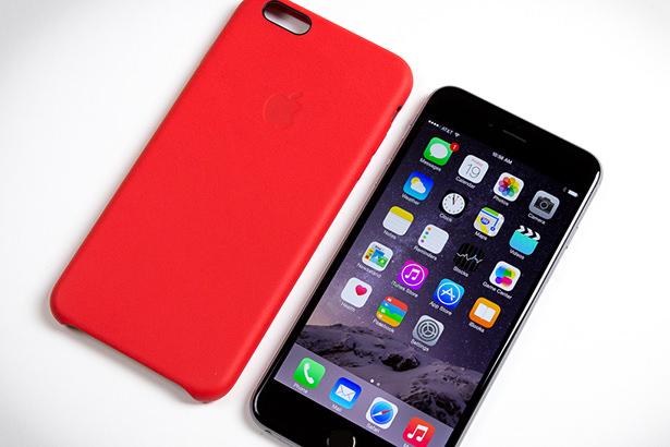 Apple отзывает фирменные кожаные чехлы для iPhone 6 и iPhone 6 Plus