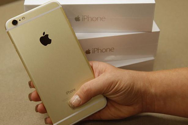 Кто будет покупать iPhone 6 и iPhone 6 Plus по новым ценам в России?