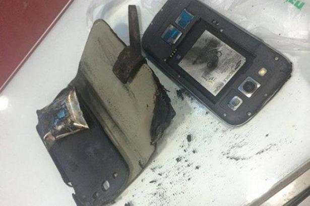 Случайный взрыв смартфона Samsung Galaxy S3 засняла видеокамера