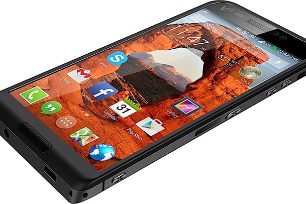 Представлен первый в мире смартфон с двумя слотами для карт памяти microSD