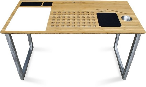 SlatePro-tech-desk 3