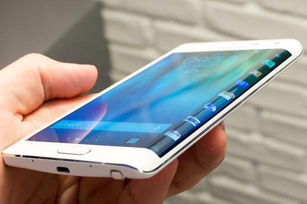Продажи Samsung Galaxy Edge с дополнительным экраном провалились