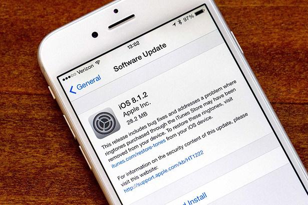 Apple закрыла возможность отката на iOS 8.1.2