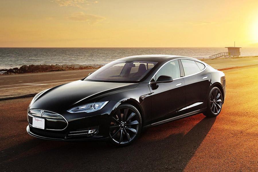 Apple собирается поглотить Tesla Motors для выпуска собственных электромобилей