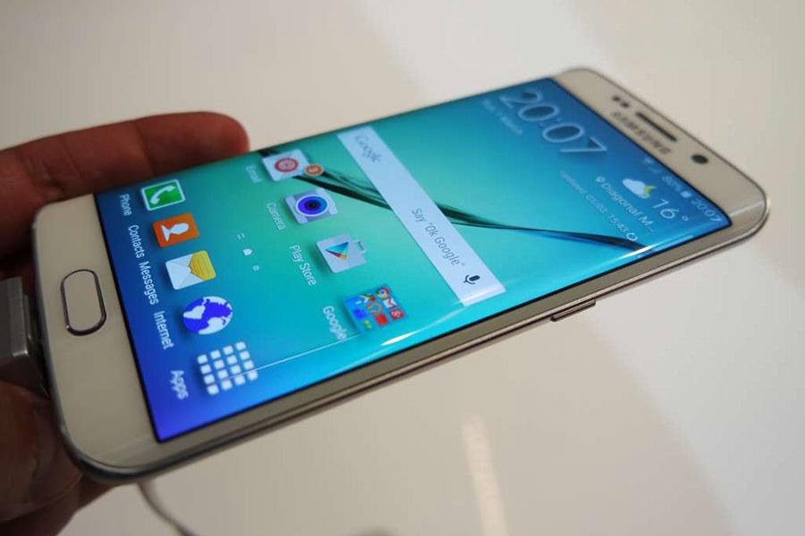 Samsung будет бесплатно менять разбитый дисплей в Galaxy S6 Edge