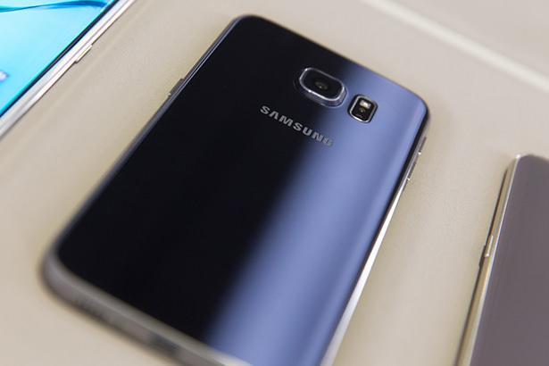 Samsung установила личный рекорд по количеству предварительных заказов на Galaxy S6 и Galaxy S6 Edge