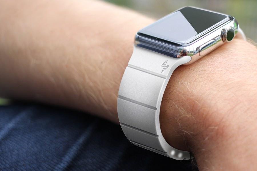 Ремешок Reserve Strap увеличит время автономной работы Apple Watch на 67%