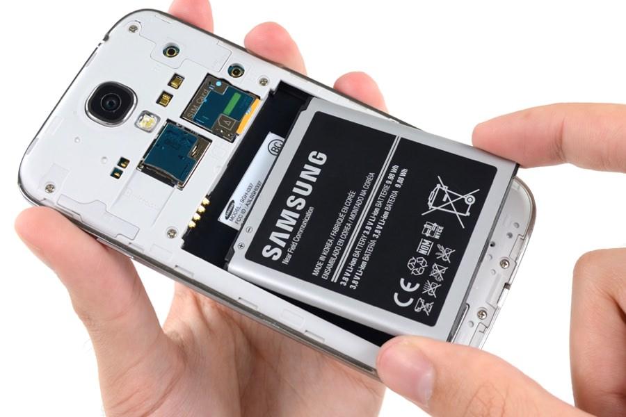 Samsung удалось увеличить емкость аккумуляторов смартфонов в два раза