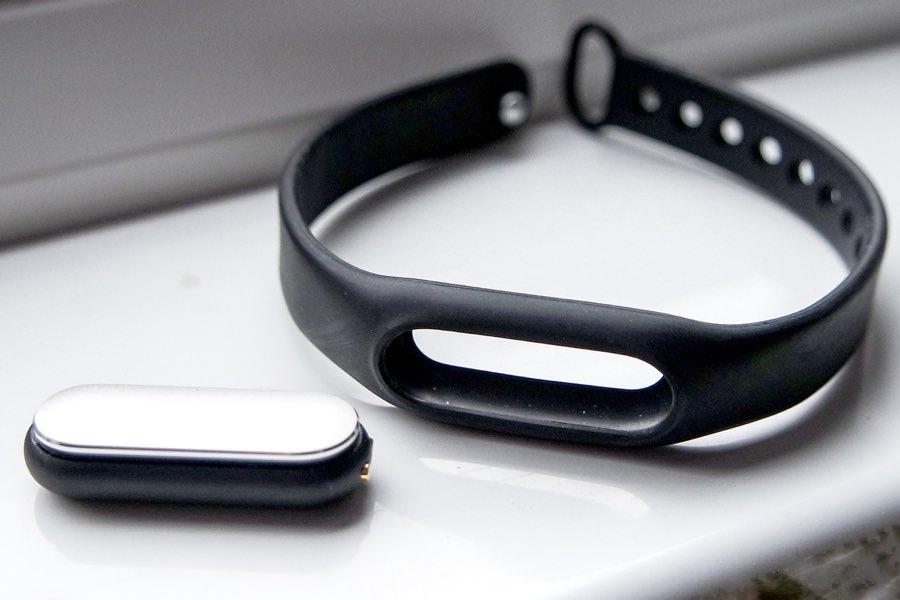 Xiaomi работает над вторым поколение фитнес-браслета Mi Band