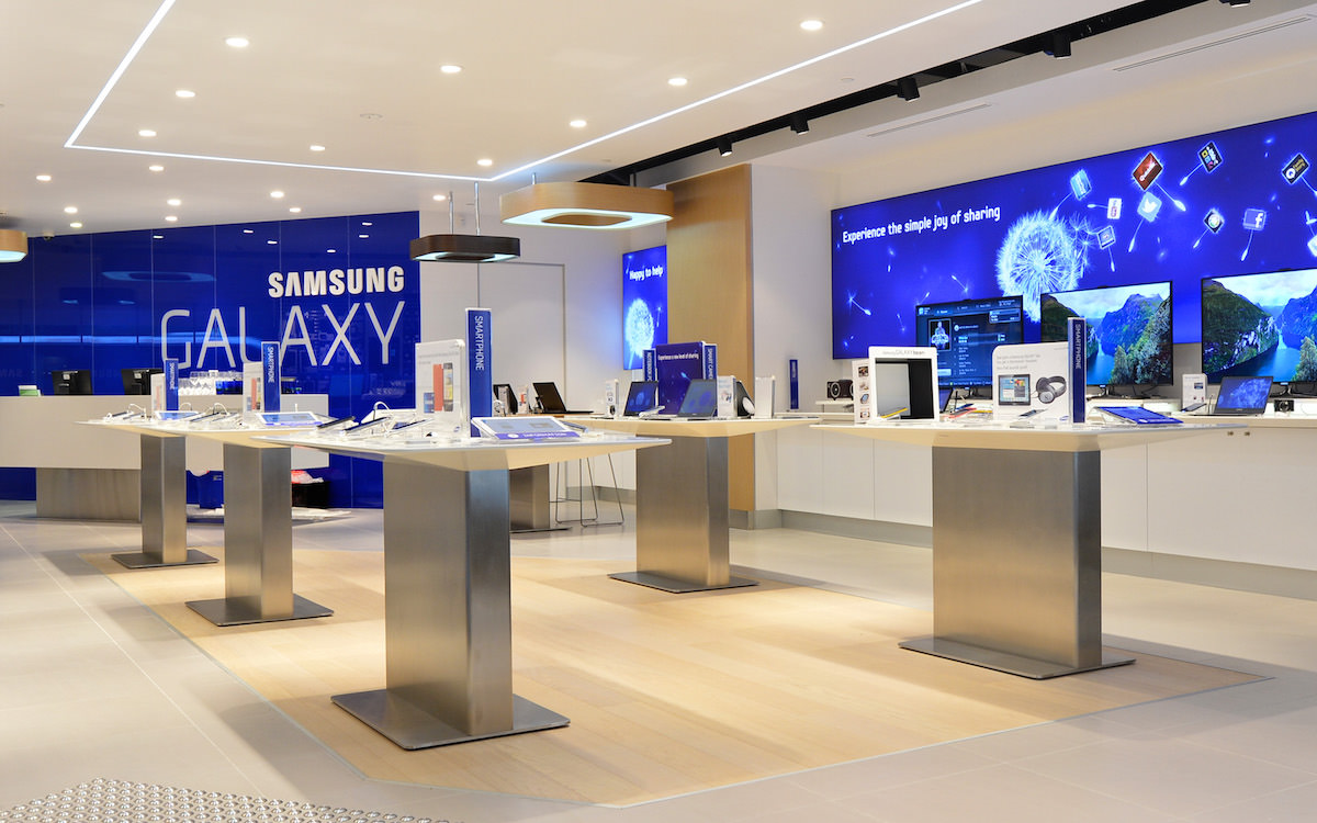 Samsung store russia new galaxy 2