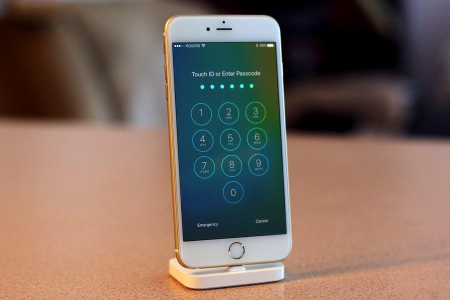 Голосовой ассистент Siri позволяет обойти блокировку iPhone и iPad на iOS 9