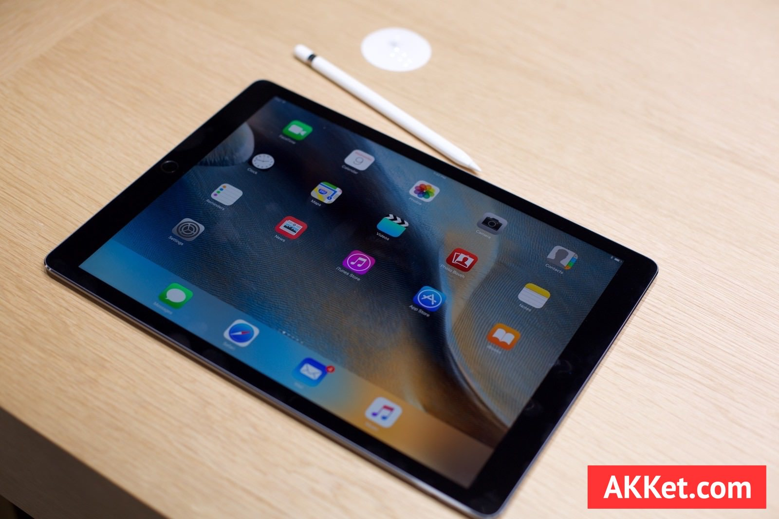 iPad Pro review akket.com pencil smrt keyboard 2