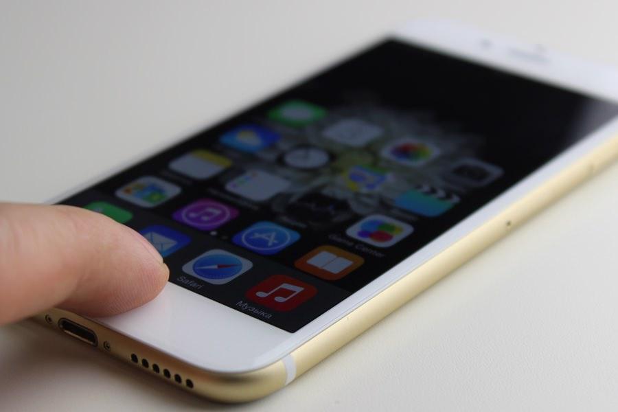 Треть жителей России готова купить iPhone 6s