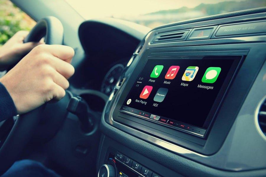 Apple купила голосового помощника VocalIQ для улучшения CarPlay и Siri