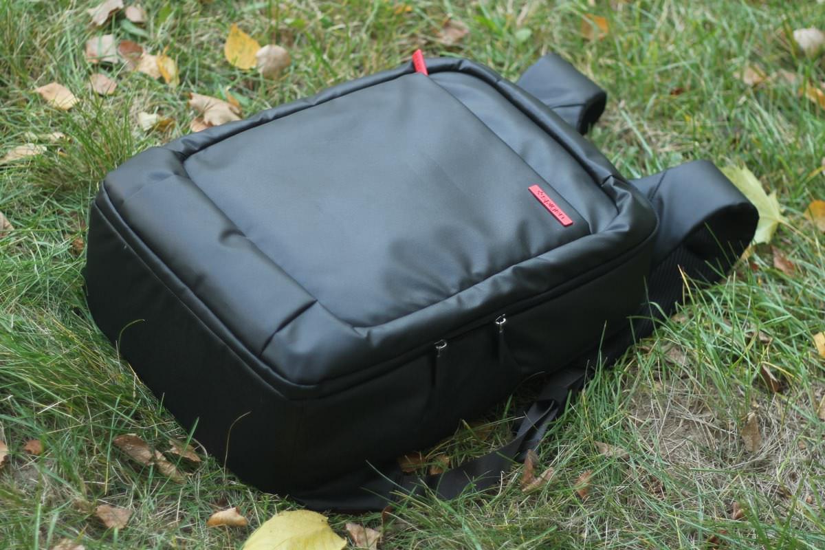 Spigen New Coated 2 — функциональный рюкзак на каждый день