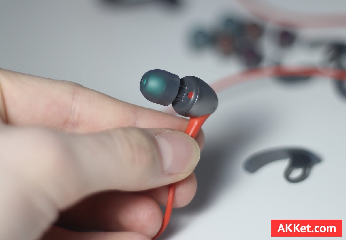 Sony MDR-AS800AP Review iPhone 12