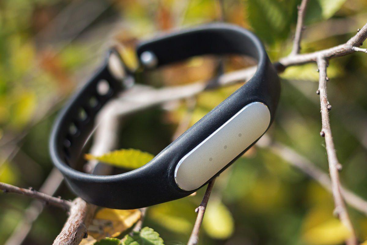 Представлен бюджетный фитнес-браслет Xiaomi Mi Band 1S