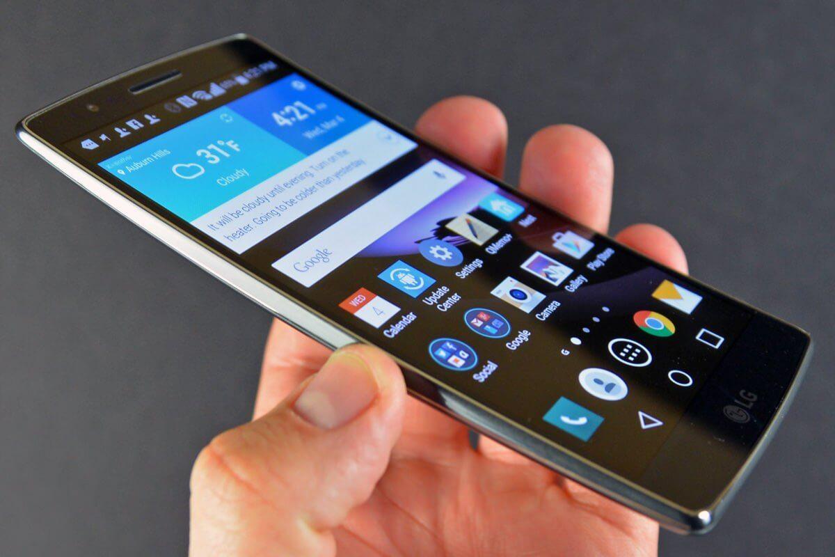 LG может отказаться от дальнейшего развития изогнутых смартфонов G Flex