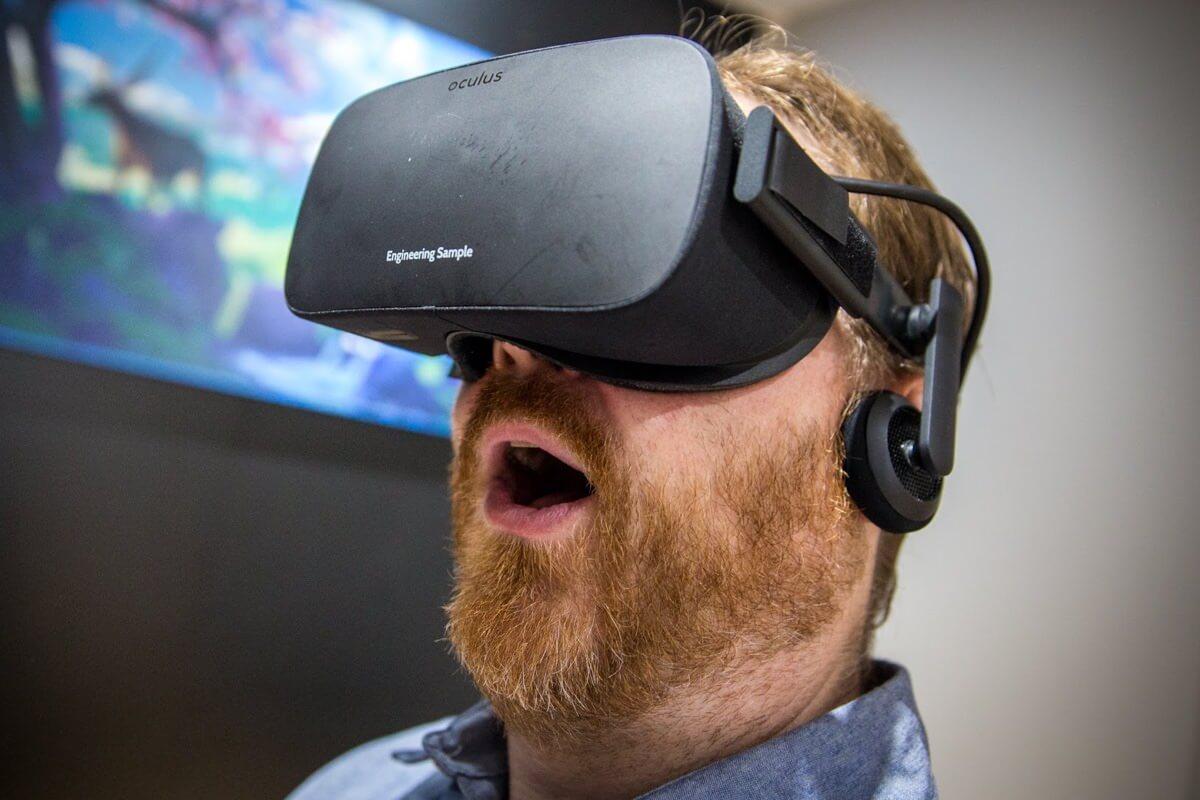 Разработчики начали получать очки виртуальной реальности Oculus Rift