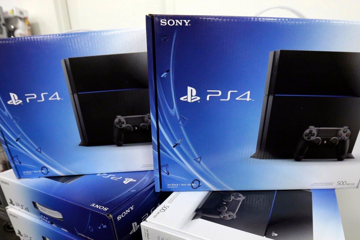 Sony объявила скидки на консоль PS4 и игры в честь новогодних праздников