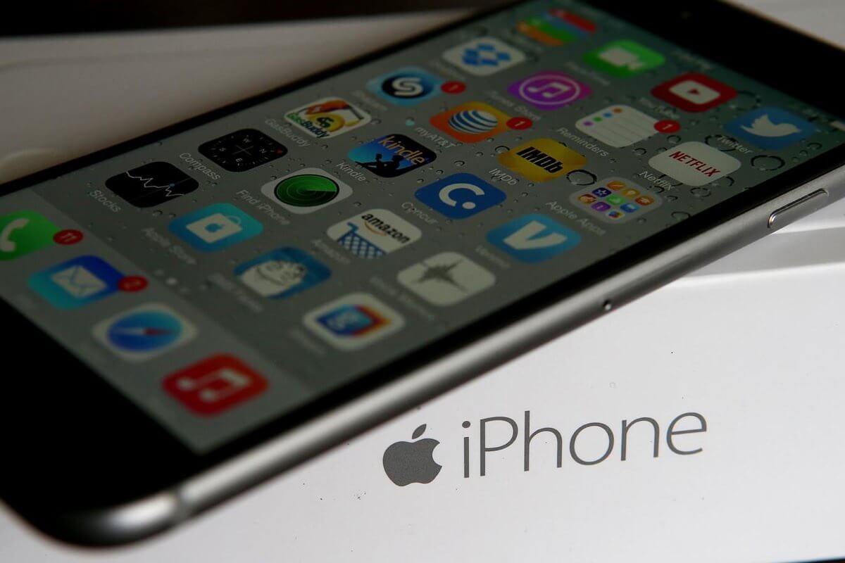 Смартфонами Apple пользуется каждый третий россиянин