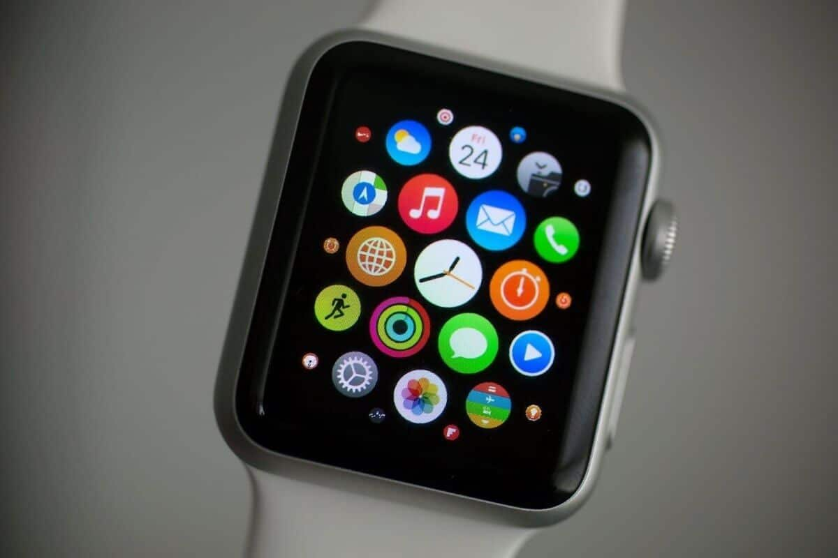 Смарт-часы Apple Watch 2 презентуют в марте