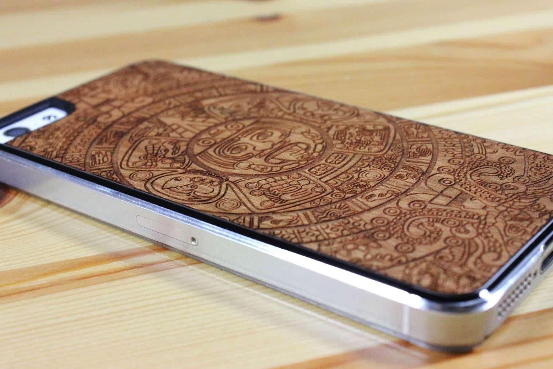 Недорогие и качественные чехлы для iPhone 5s от Top Case