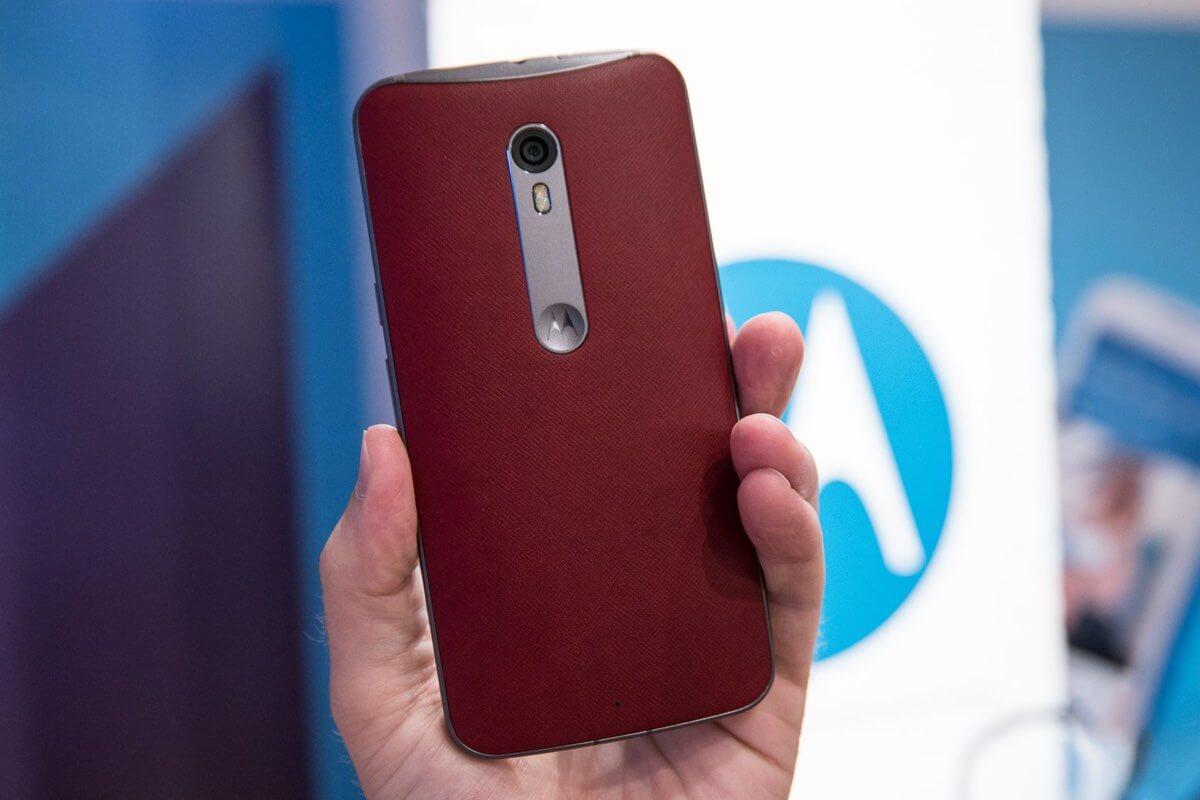 Lenovo назвала дату начала продаж продукции Motorola в России