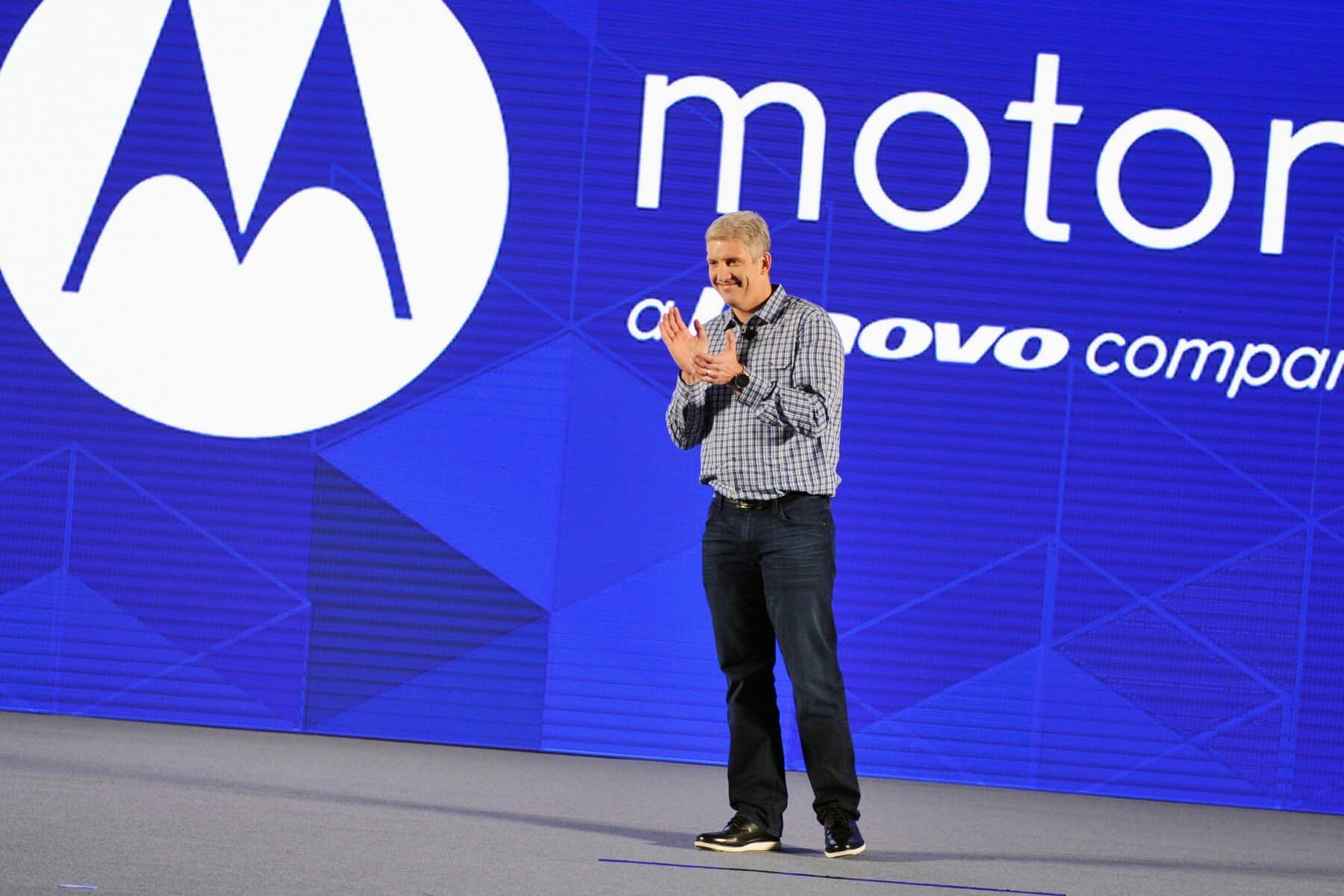 Lenovo отказывается от бренда Motorola для смартфонов