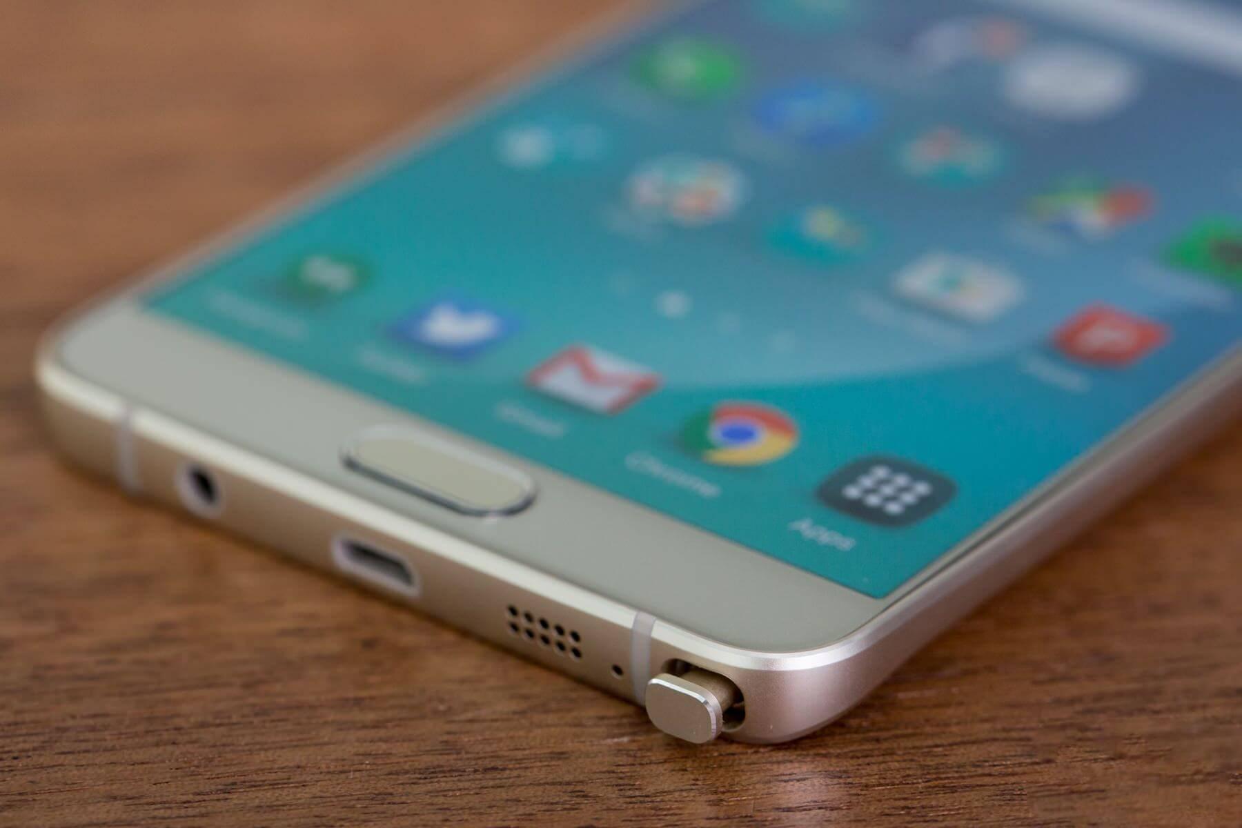 Samsung Galaxy Note 5 временно подешевел в России на 10 тысяч рублей
