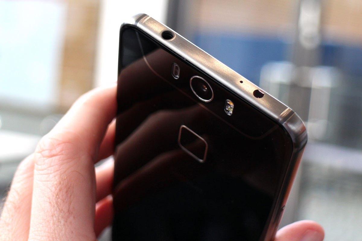 Начались продажи немецкого смартфона Gigaset ME Pro