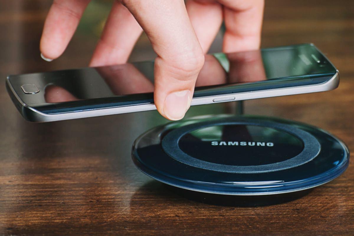 Samsung Galaxy S7 и S7 edge не получат поддержку быстрой беспроводной зарядки