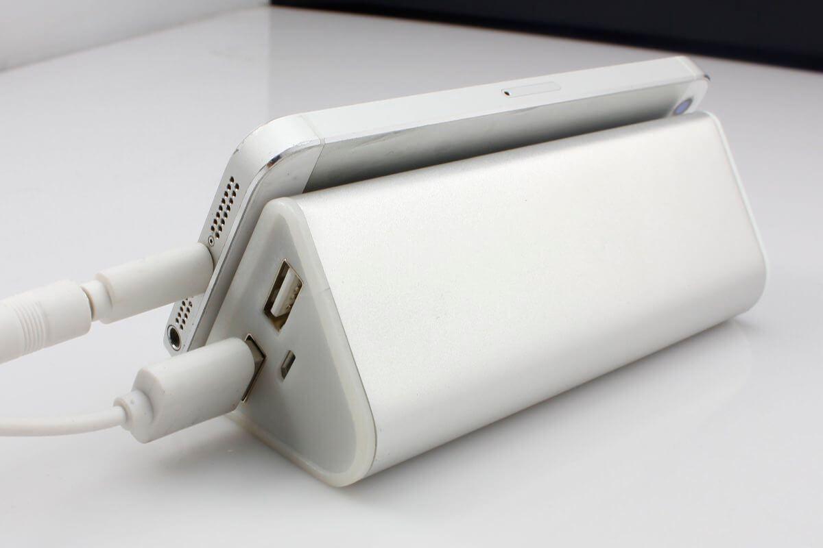 Портативные зарядные устройства «убивают» батарейку смартфонов