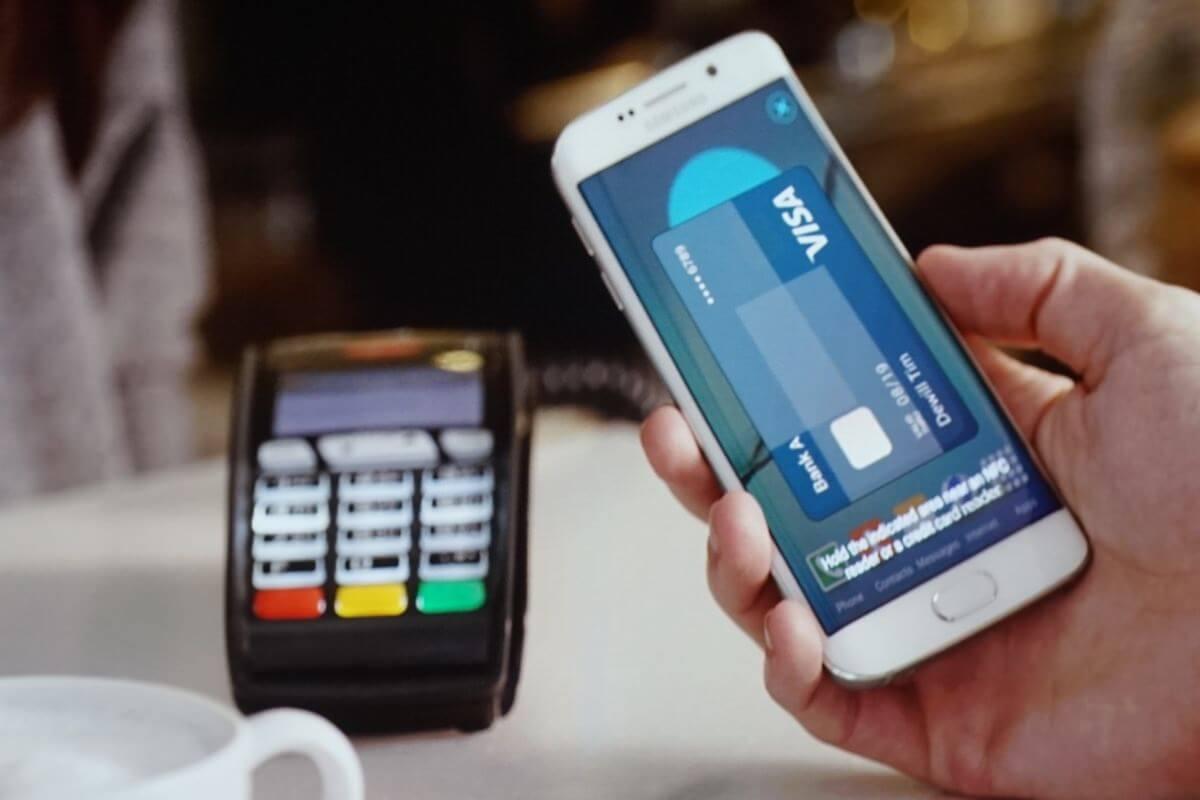 Платежная система Samsung Pay появится в России