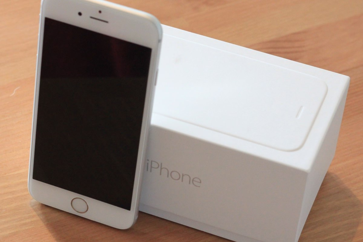 iPhone 6s с 64 Гб встроенной памяти подешевел в России