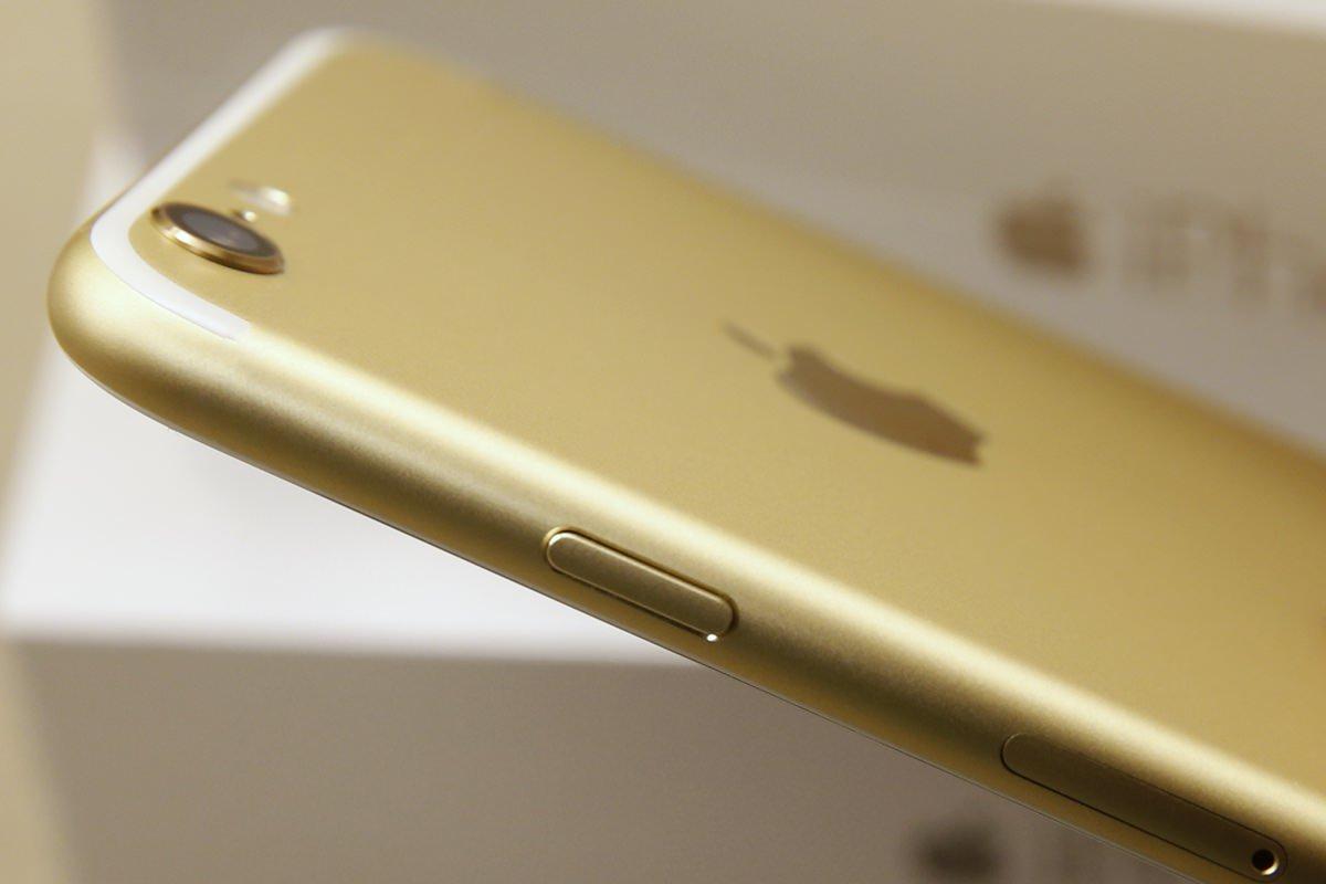 Правдоподобные изображения iPhone 7 с двойной камерой