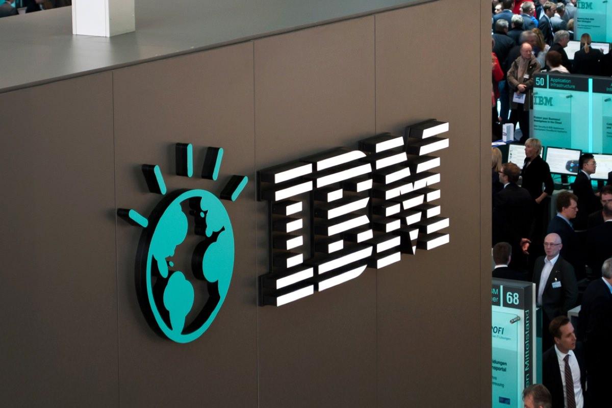 IBM сокращает 110 тысяч своих сотрудников в США
