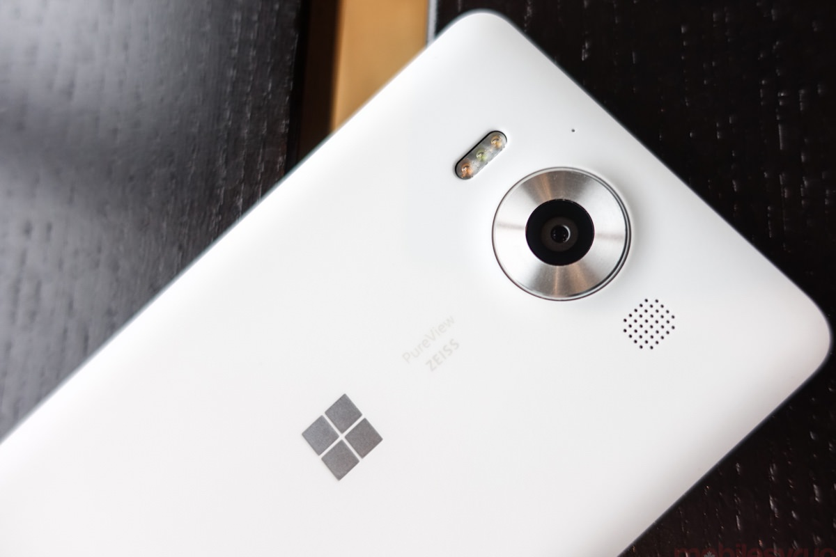Смартфон Minecraft Lumia 650 начал продаваться в России