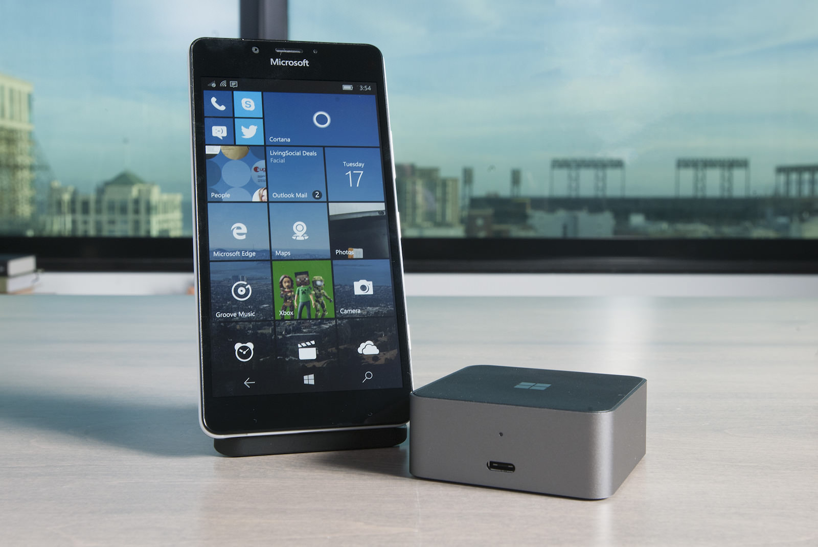 Microsoft Surface Phone Windows 10 PC