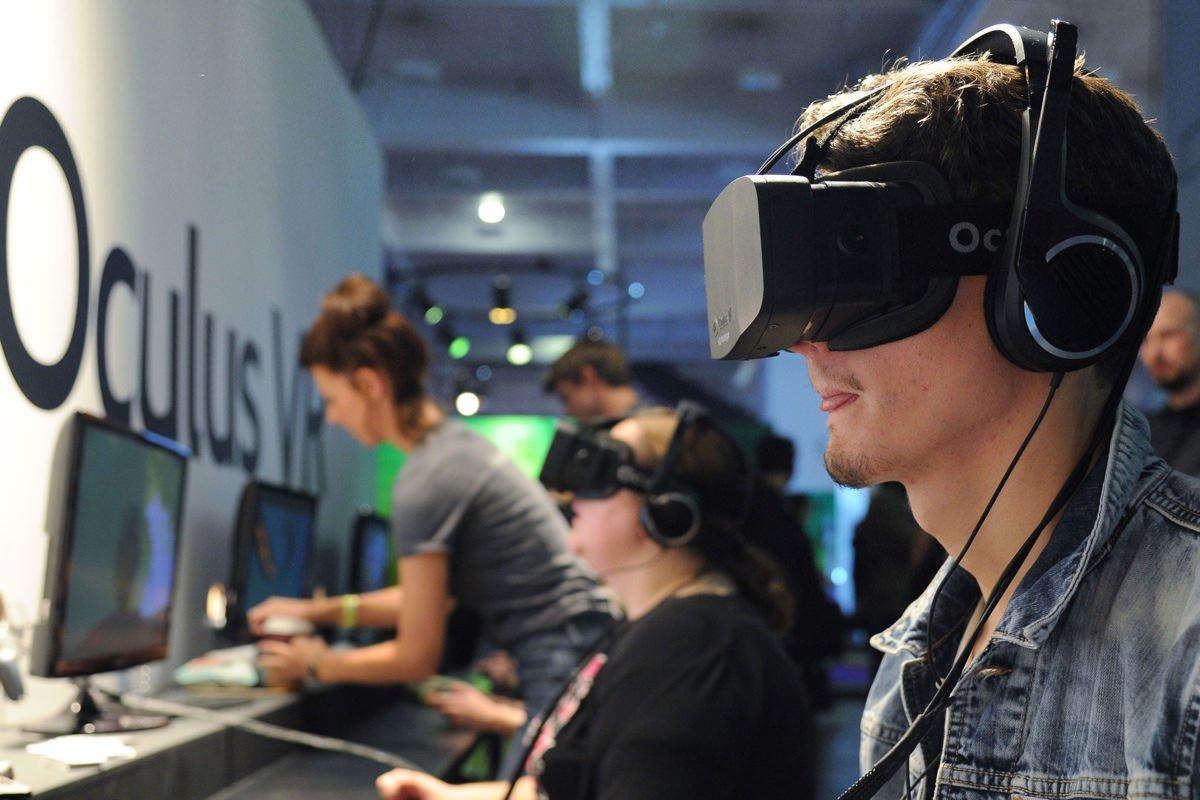 Шлемы Oculus Rift отправлены первым покупателям