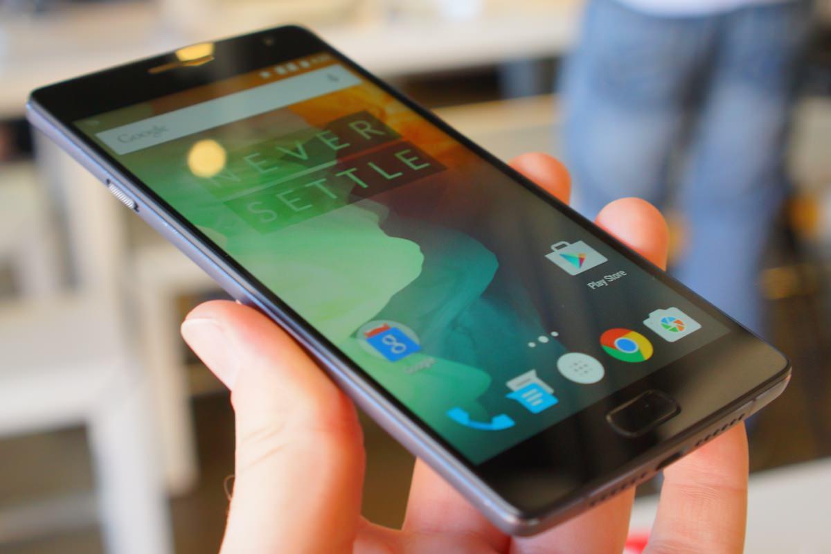 Смартфон OnePlus 2 научился работать с RAW-форматом фото