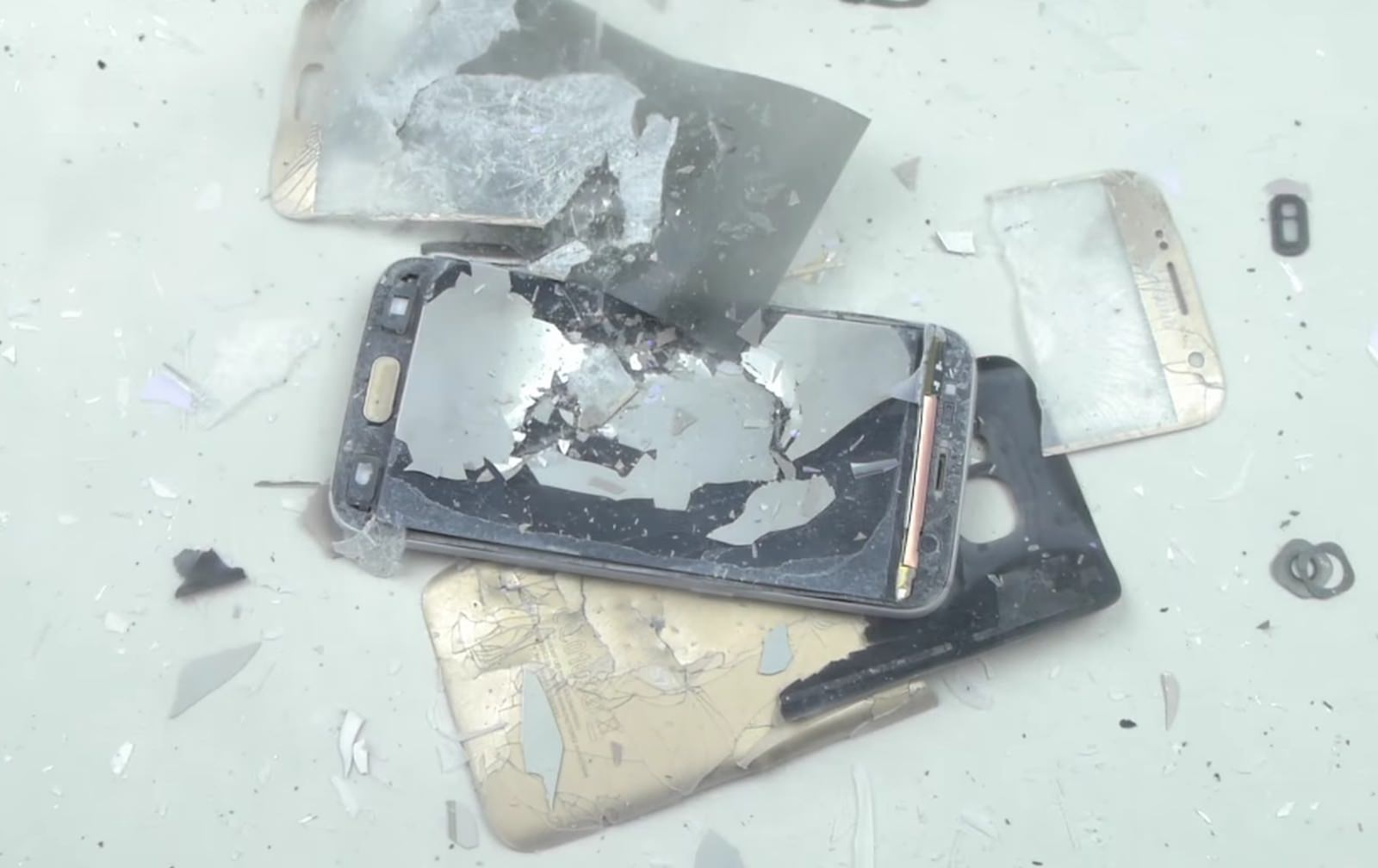 Samsung Galaxy S7 crash test 2