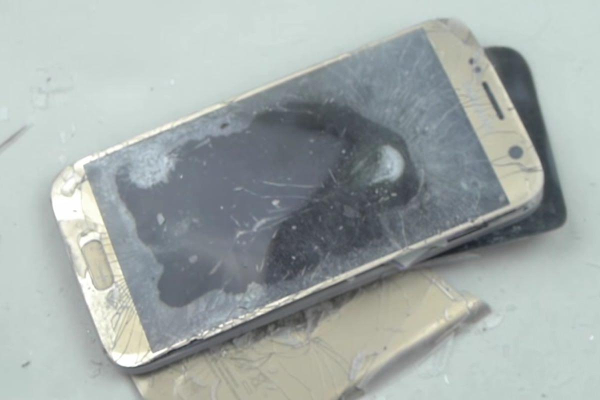 Samsung Galaxy S7 заморозили в жидком азоте