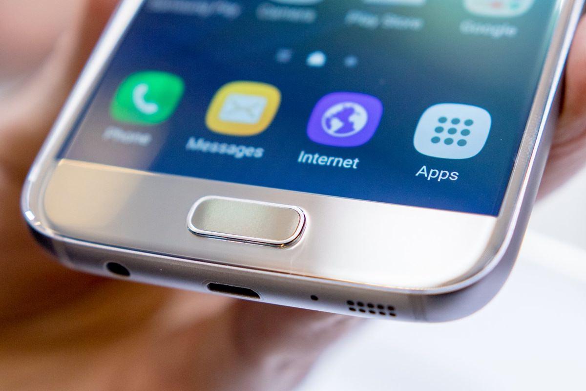 Samsung запустила программу по обновлению смартфонов на новые